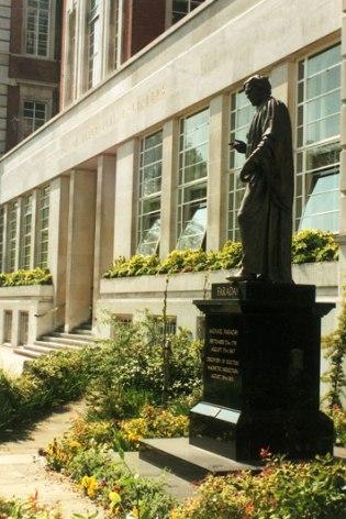 Faraday-statue-circa-1989