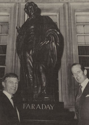 Michael-Faraday-Statue-Unveiling-1989-from-IEE-News