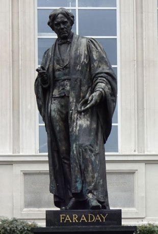 Savoy-Place-Faraday-Statue-Unveiling-14-May-2015-Image-06-Cropped