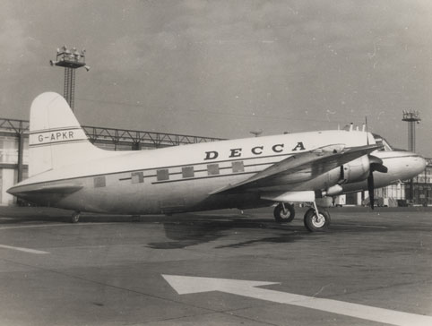 NAEST-228-07-01-Decca-Aircraft-Photo-Album-Image-1