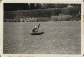 SCMSS 165 Hovercraft model on lawn crop
