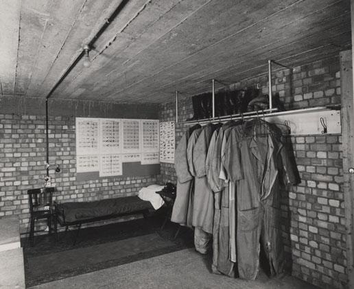 NAEST-211-02-28-01-file-3-env-45-Air-wardens-room-1945