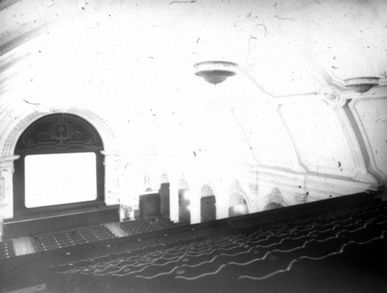 NAEST-074-04-0295-L448-Angel-Cinema,-Islington-View-from-Gallery-May-1913-light-adjusted