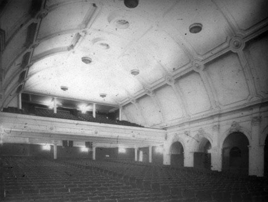 NAEST-074-04-0296-L449-Angel-Cinema,-Islington-May-1913-light-adjusted