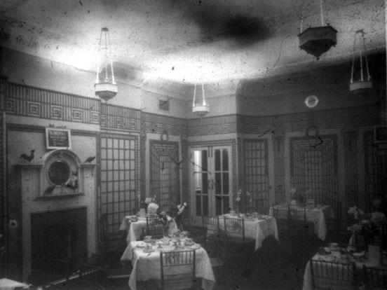 NAEST-074-04-0327-L481-New-Empire-Cinema,-Newcastle-upon-Tyne,-Tea-Room-June-1913-light-adjusted
