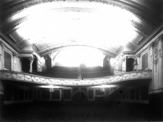 NAEST-074-04-0336-L490-Assembly-Rooms-Cinema-Leeds-June-1913-light-adjusted