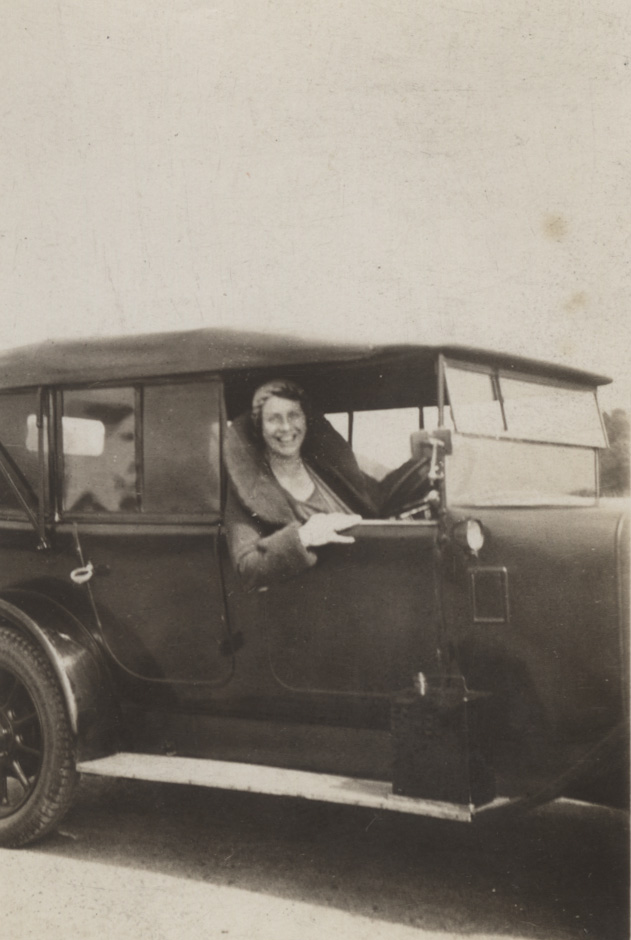 Caroline Haslett in her car 1932